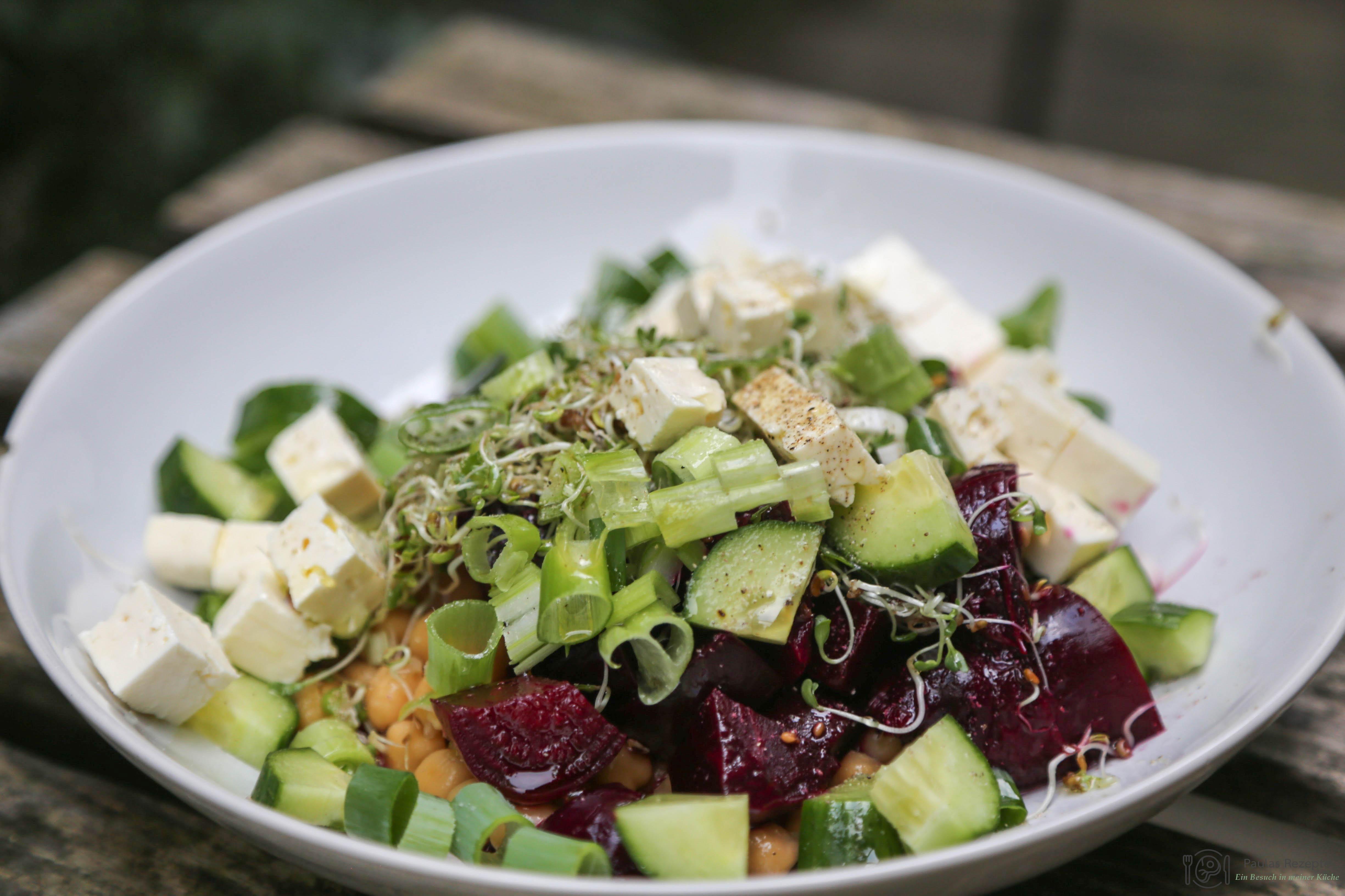Salat Aus Gurken Roter Beete Kichererbsen Und Feta